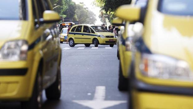 taxi-homofobico-pheeno-capa