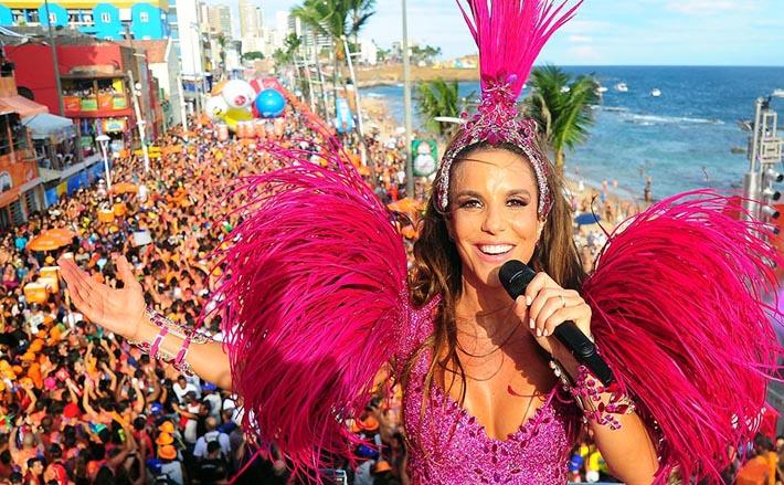 Ivete Sangalo durante o circuito Dodô (Barra/Ondina) do Carnaval de Salvador 2015. Foto: Alan Morici / Frame