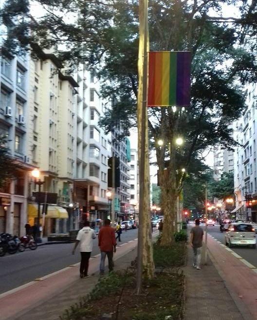 prefeitura_sao_paulo_bandeira_arco_iris_vieira_de_carvalho_largo_do_arouche_orgulho_lgbt_gay_02