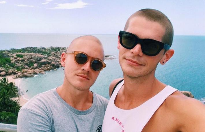 Samuel e o namorado.