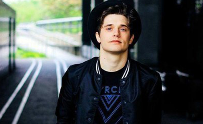 andy-mientus-bissexual-pheeno