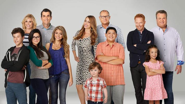 modern-family-s6-family-16x9-1-22983-27614