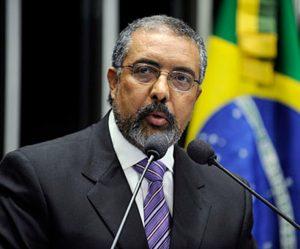 Senador Paulo Paim (PT-RS), relator da sugestão.