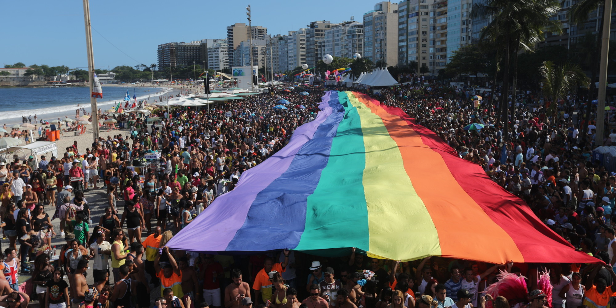 Copacabana recebe Parada Gay neste domingo